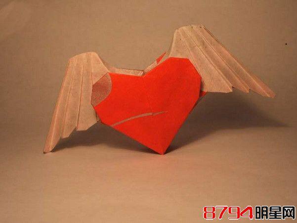 带翅膀的心形立体折纸手工教程图解