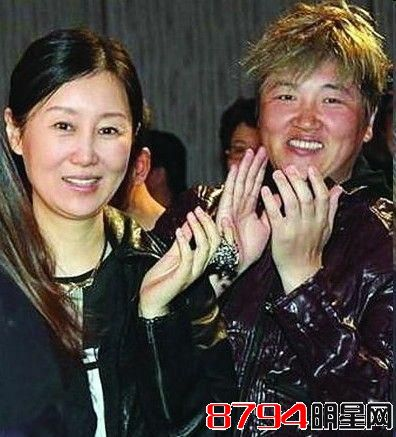 演艺圈结婚最多的明星 央视主播杨柳四离五娶