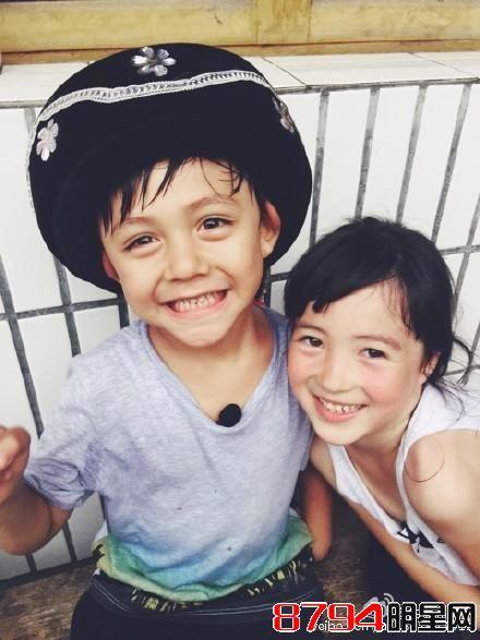 从第一季的小可爱kimi到第二季的姐姐grace,孩 子们纯真可爱的魅力