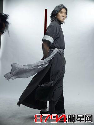 郑伊健年轻时就是帅,还是忍不住看了又看,他老婆的大度无人能敌
