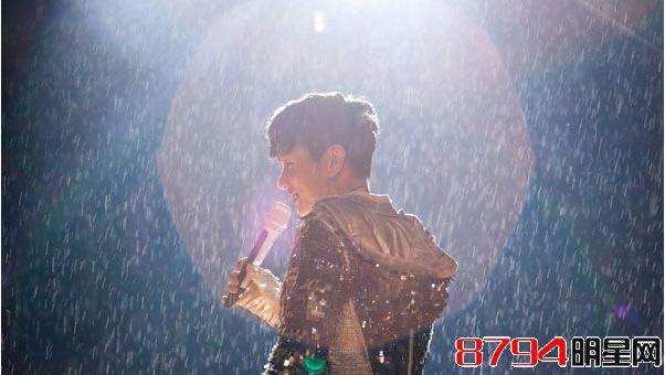 林俊杰成都演唱会开唱 金莎黎明现身助阵