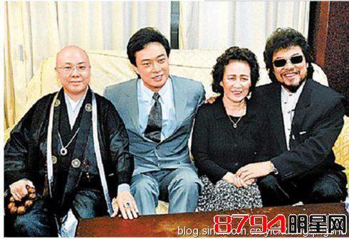 他与邓丽君齐名,乐坛常青树,娱乐圈的隐形富豪,年过60仍单身