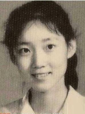 李修平年轻时候的照片