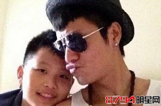 何炅和钟汉良的老婆都被揪出来了 那么陈坤儿子的妈到底是谁?图片