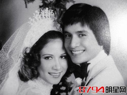 甄妮与老公傅声结婚照