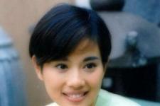 陈松伶15岁被逼进娱圈后成TVB花旦 却一度患病消失现终获幸福/老公张铎