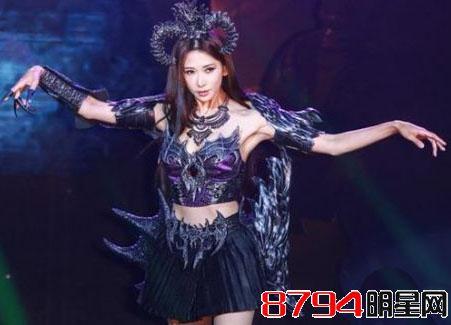 她台湾第一美女,比范冰冰还火,家庭背景惊人,42岁没男人追