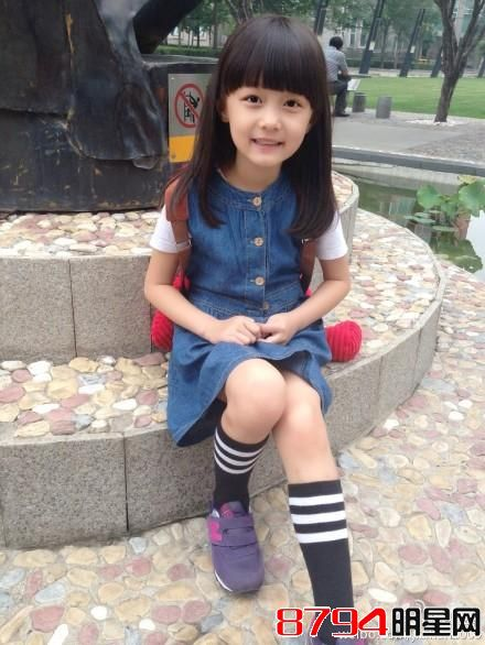 她3岁演孙俪的小公主,9岁敢与赵薇佟大为飙戏,12岁长成这样