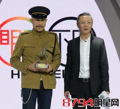 徐锦江出身豪门学过医拉过琴懂艺术 徐锦江却沦为三级片演员遭家人遗弃