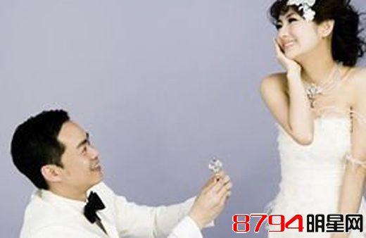 主持人杨帆个人资料简历 杨帆老婆李松奇和女儿照片