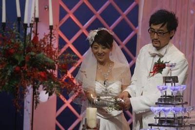 师生恋失败后,又和小6岁男星玩姐弟恋,与任泉开店成十亿富婆
