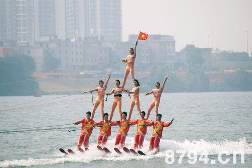 运动滑水起源与滑水发展比赛规则运动滑水入拳击手冯伟图片