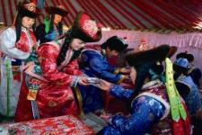 """云南蒙古族的婚俗礼仪之""""跳乐"""""""