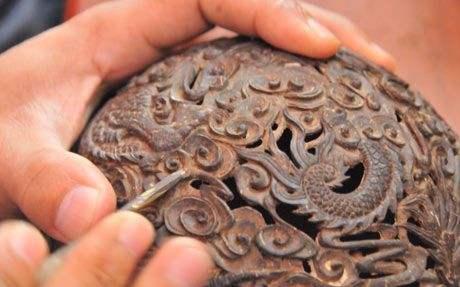 被称为天南贡品的是_天南贡品——椰雕