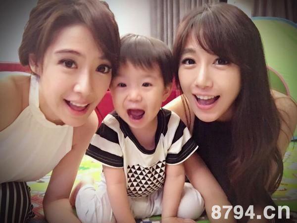 台湾最美双胞胎近照:姐姐怀上双胞胎