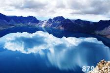 长白山简介:水与火构成的奇异世界 火山与冰雪构成了最为壮观的场面