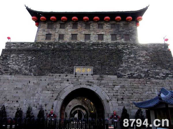 南京中华门资料介绍:朱元璋起兵而未得天下时而筑造