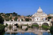 """梵蒂冈:世界上最小的 """"微型王国"""" 以教皇为君主的政教合一的城国"""