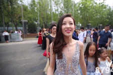 中国传媒大学毕业红毯秀 毕业季红毯汇总