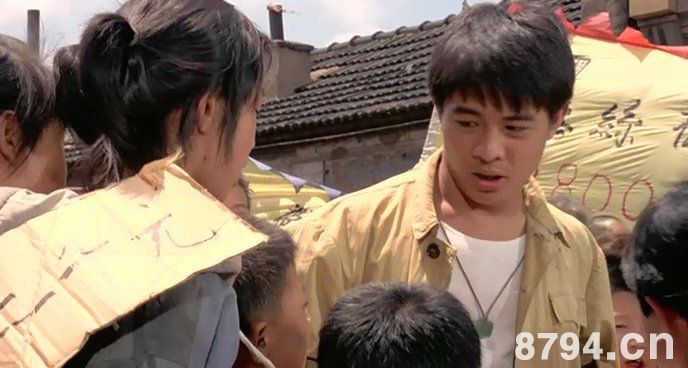 李连杰《中华英雄》剧照 这个时候的李连杰看起来很青涩