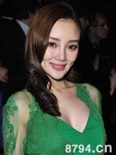 李小璐为何会在追求者中嫁给贾乃亮 婚后的生活真的很好吗?