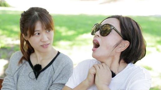 刘晓庆戏精上身模仿真人秀导师 原来你是这样不正经的刘奶奶