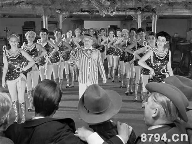 国外电影史上那些牛叉闪闪的电影处女作奥森威尔斯1941年作品《公民凯恩》