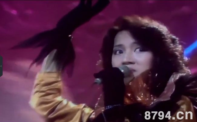 19岁的梅艳芳参加首届香港新秀歌图片