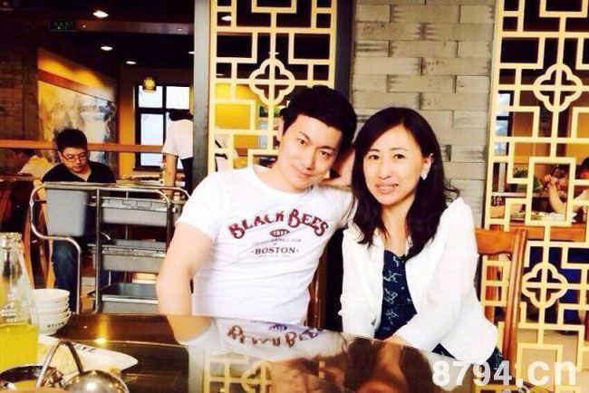 瞿玮和老婆郭燕在一起的照片