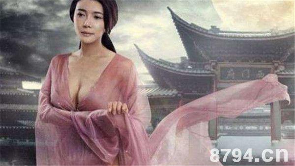 性感女星龚玥菲整容前后脸变残