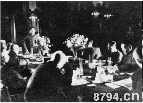 1949年4月1日,国共双方在北平举行最后和谈,谈判于20日破裂.图
