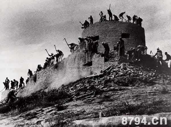 百团大战的资料简介 百团大战的历史意义与背景 百团大战是谁指挥的