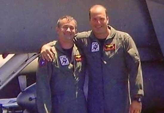 """美国飞行员发现""""飞碟"""" 神秘的""""天外来客""""轰动世界"""