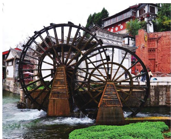 用于古代农业灌溉的大水车已是丽江的标志性建筑
