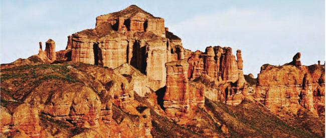 甘肃最美的地方张掖丹霞:沧桑大地的斑斓表情