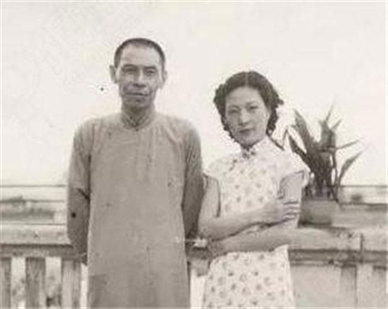 杜月笙与妻子合照