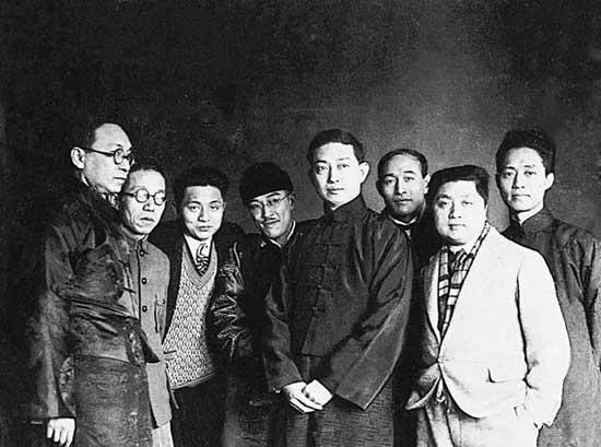 30年代在上海,与梅兰芳等朋友的合影