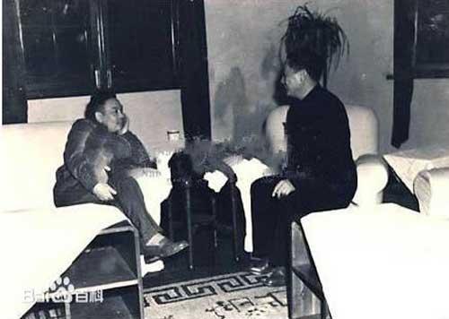 1949年12月 蒋经国和毛人凤在成都谈话