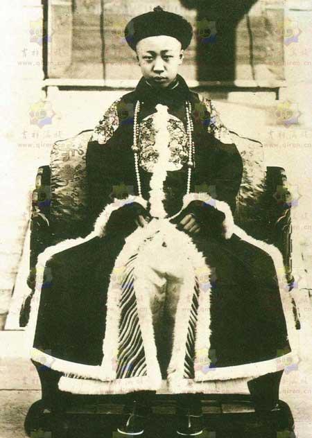 真实的末代皇帝溥仪生平简介历任老婆 溥仪没有小孩是没有生育能力吗