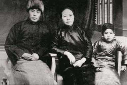 民族英雄佟麟阁生平简介人物评价 佟麟阁牺牲于那次战争