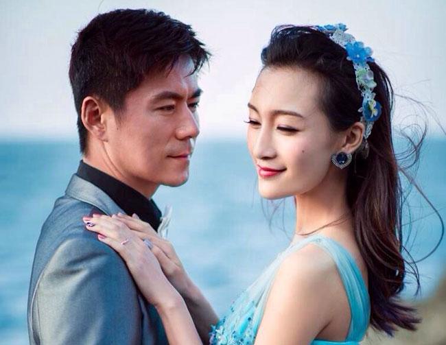 常铖和蔡国庆的对比照太像了 演员常铖结过几次婚前妻是谁
