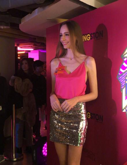 巴西模特Bruna否认与陈伟霆恋情:只是朋友